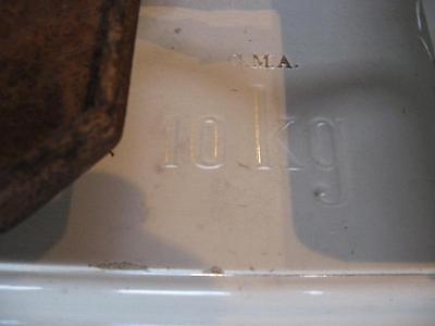 Historische 10 kg Porzellanwaage G.M.A. 2