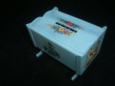 1078/ Volksbank Eldagsen Sparwiege Spardose Blechspielzeug / Money Box ca. 1950 5
