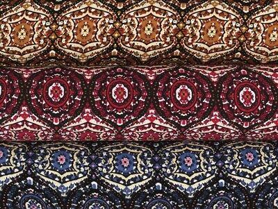 140-145cm Farb-Patch blau-mehrfarbig Viskose Mousseline