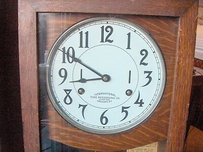 "ANTIQUE OAK ""INTERNATIONAL  TIME CLOCK w/ KEY - NEEDS RESTORATION 3"