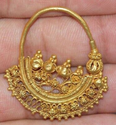 Large Ancient Roman-Byzantine Gold Earring 6