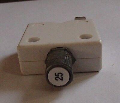 BUSSMAN 40A Circuit Breaker Manual Push Button Reset 250VAC//50VDC Panel Switch