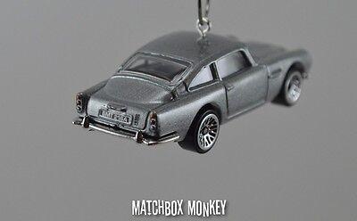 Aston Martin DB5 James Bond 007 1963 Goldfinger Christmas Ornament 1//64 Adorno