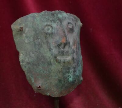 Very rare and nice copper Mummy bundel Mask with human face, Vicus culture Peru 3