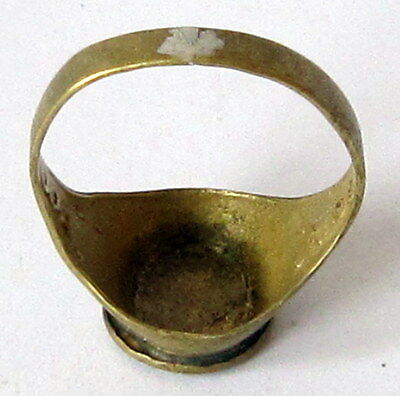 AMAZING BRASS RING FROM THE EARLY 20 th c.WITH ENGRAVING ON THE TOP # 85A 7 • CAD $25.15