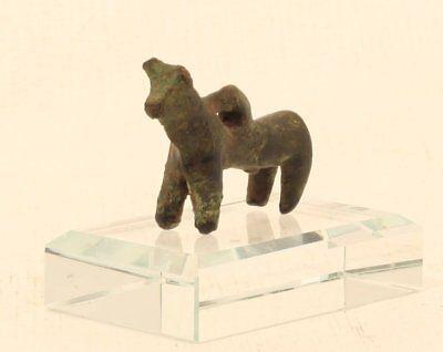 Greek Geometric bronze Bull pendant