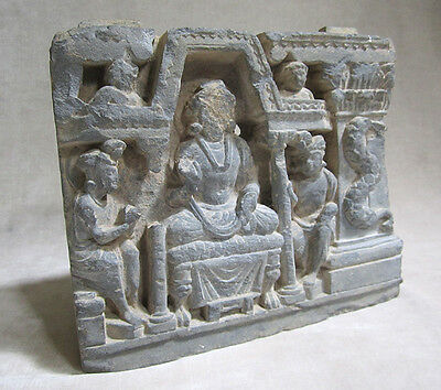 ANCIENT GANDHARAN SCHIST STONE SCULPTURE OF THE BUDDHA, circa 200 AD 3