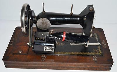 1930's HARRIS FAMILIY 2H Sewing Machine with Electric Motor -FREE P&P [PL2107] 8