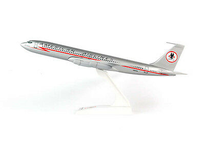 Skymarks American Airlines B707 Astrojet 1//150 Scale Model w St Lighting Bolt
