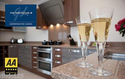 Luxury Devon Holiday Penthouse Sea views + Hot tub + Pool  Sat 5 -  Thur 10 Oct 5