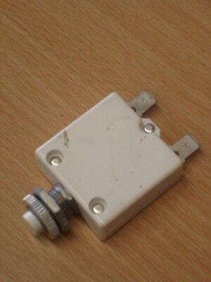 250VAC/50VDC circuit breaker (Hako part no: 01282040).