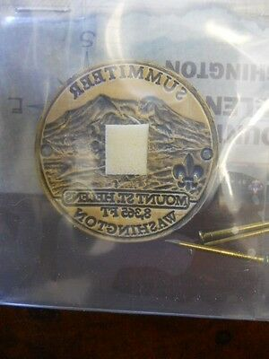 BOY SCOUT MOUNT ST.HELENS SUMMITEER HIKING STAFF MEDALLION #24095 NEW IN PACKAGE