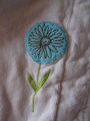 Peignoir kimono blanc  en éponge motif ronds et fleurs CARRE BLANC Taille 2 ans 2
