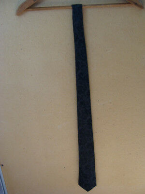Hugo Boss Mens Tie Silk Necktie Made In Italy Blue Geometric + BONUS Black Tie