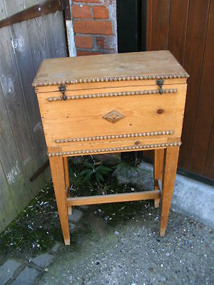 Small decorative pine craft chest or box sewing knitting needlework tapestry 4
