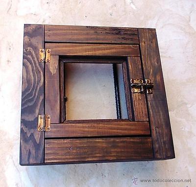 ventanuco rustico de madera con rejas forjadas, medida 35 x 35 cm 2
