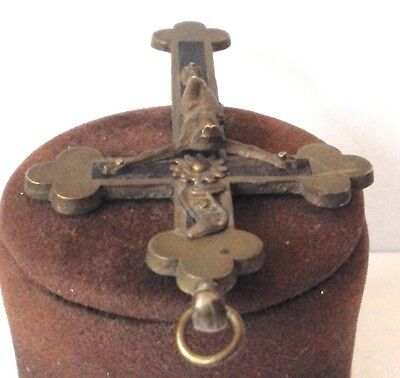 OUTSTANDING VINTAGE BRASS CROSS WITH CRUCIFIXION,EARLY 20th. Century !!! # 462 8