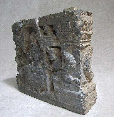 ANCIENT GANDHARAN SCHIST STONE SCULPTURE OF THE BUDDHA, circa 200 AD 4