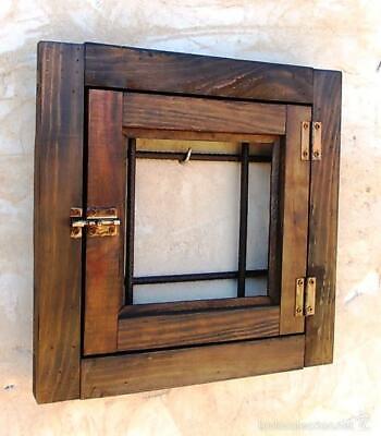 ventanuco o ventana de madera rustico de pueblo con rejas forjadas, medida 40x40 2