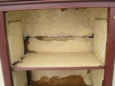 18/19 Century Delicate Early American Primitive Hanging Cupboard Red Paint 9