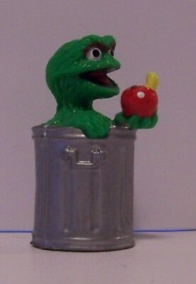 Sesame Street TV Show Oscar the Grouch in a Trashcan Metal Enamel Pin NEW UNUSED