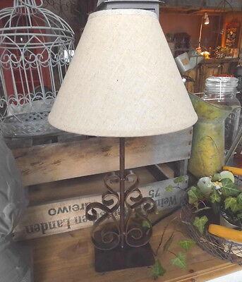 landhaus lampe tischlampe landhausstil metall tischleuchte. Black Bedroom Furniture Sets. Home Design Ideas