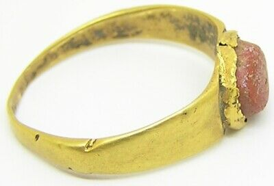 3rd century AD Ancient Roman gold finger ring Henig type VIII coral glass gem 5