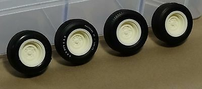 AMT New White Plastic 70/'s Stock Car-Nascar Wide 5 Hole Slot Dish Mags 1//25