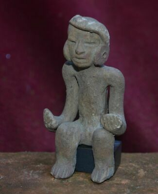 Very nice statue of a sitting man, Teotihuacan, Mexico, 100-700 AD 2