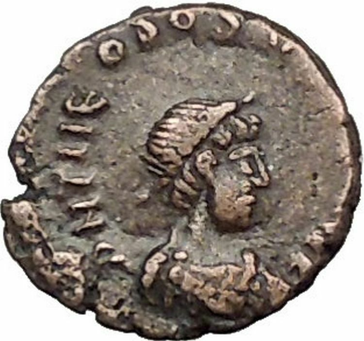 THEODOSIUS II 425AD Authemtic  Ancient Roman Coin Cross within wreath  i55304 2