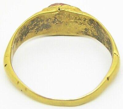 3rd century AD Ancient Roman gold finger ring Henig type VIII coral glass gem 4