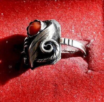 Hübscher Antiker handgearbeiteter 835er Silber Ring mit Koralle (j4) 2