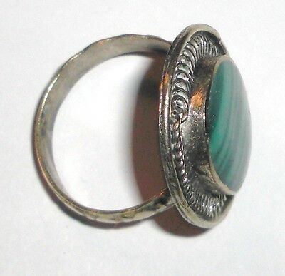 Handmade vintage ring from Uzbekistan with Green Stone 3