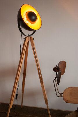 tripod steh lampe spot stativ dreibein design loft industrie bauhaus manufaktur eur 129 00. Black Bedroom Furniture Sets. Home Design Ideas