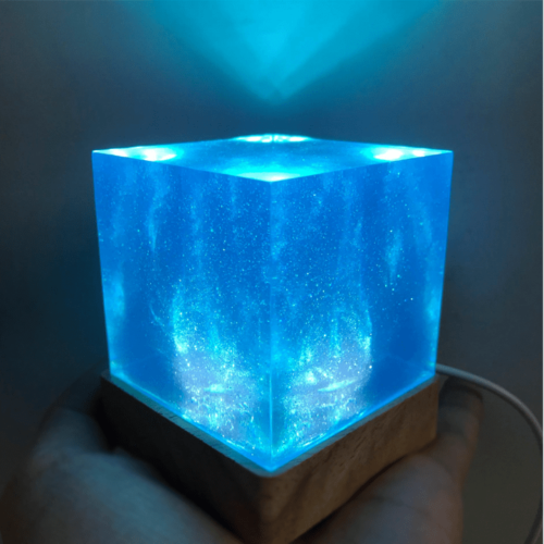 Avengers Thanos Tesseract Cube LED Light Infinity War Cosplay Props + Base 6.5cm 8