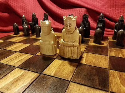 Isle of Lewis Chessmen (FULL SIZE REPRODUTION) 3