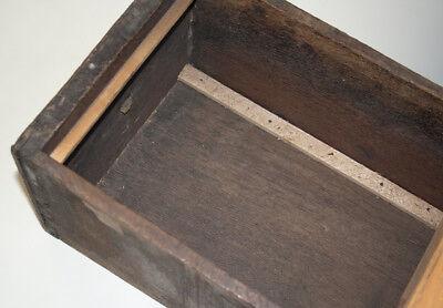 Urige alte Holzschublade mit Emailschild aus Apotheke um 1900
