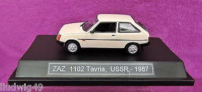 ZAZ 1102 Tavria 3 Türer Weiss Beige 1//43 Nash Avtoprom Modell Auto mit oder oh..