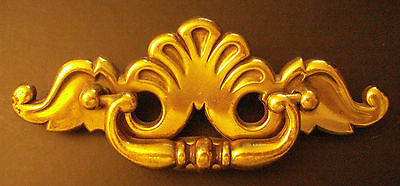 2 Antique Reproduction Period Brass ONT.B Drawer Pulls with Handles B846 Shells 3