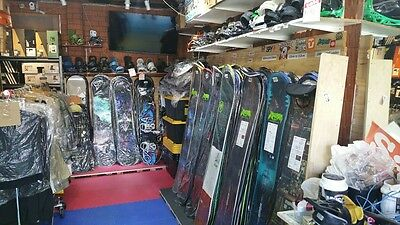 Brand new snowboards GNU 2017 Carbon Credit (postage can be arranged)