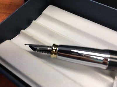 """Cross Aventura Black Fountain Pen """"M"""" Nib 4"""