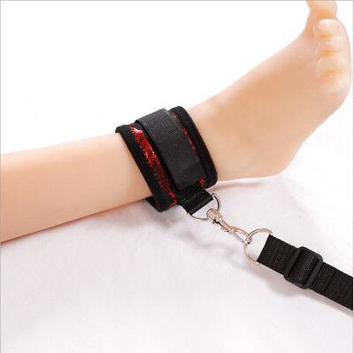 Unter dem Bett Bondage-Fesseln-Kit mit Handschellen - kostenlose Augenbinde inkl 4