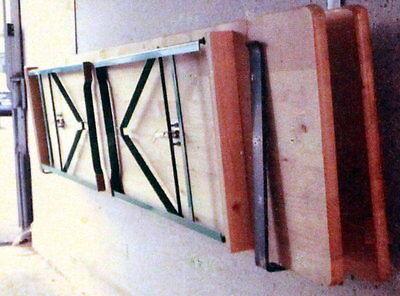 Halterung für Bierzeltgarnitur Tisch Bank Halter Aufhängung Festzelt Wandhalter