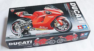 Tamiya 14101-1//12 Ducati Desmosedici #65 Motogp 2003//2004 Neu