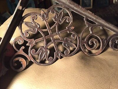 "Set of 2 Antique Cast Iron Fancy ""Le Flur' ""Victorian Shelf Brackets 4"