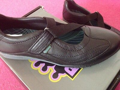 e3e228601687 1 of 12 Clarks Bootleg Trainer Shoe With Velcro - Size 6.5 - Brand New With  Box! Leather