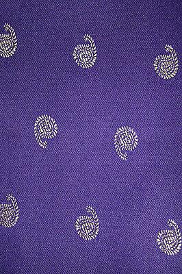 Fertig gewickelter Sari Di Bollywood India Viola scuro 3 dimensioni 2