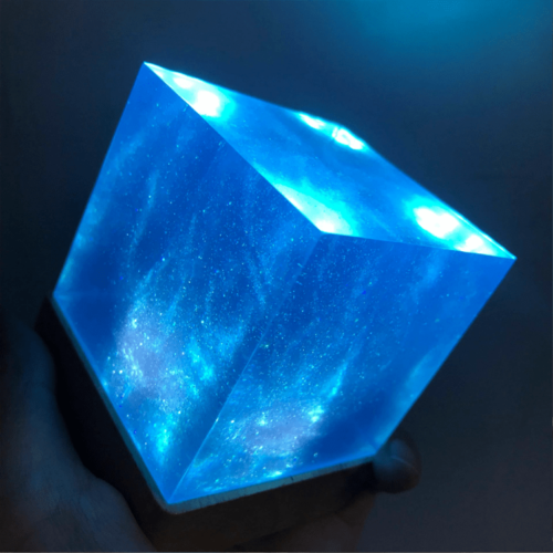 Avengers Thanos Tesseract Cube LED Light Infinity War Cosplay Props + Base 6.5cm 3