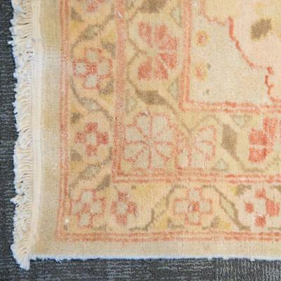 Egyptian carpet, approx. 14.3 x 22.5 Lot 879
