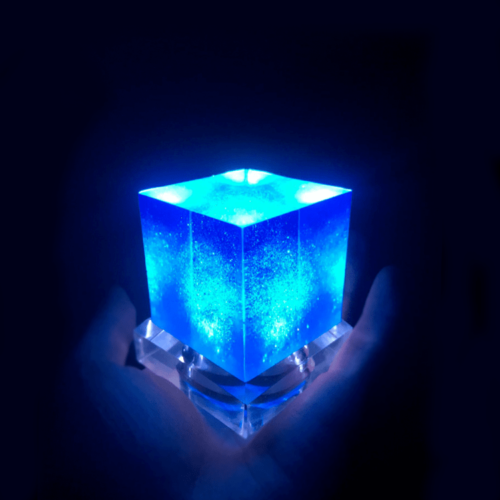Avengers Thanos Tesseract Cube LED Light Infinity War Cosplay Props + Base 6.5cm 4
